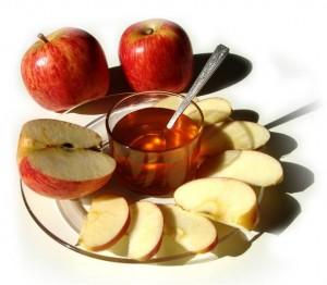 Фото: мед и яблоки